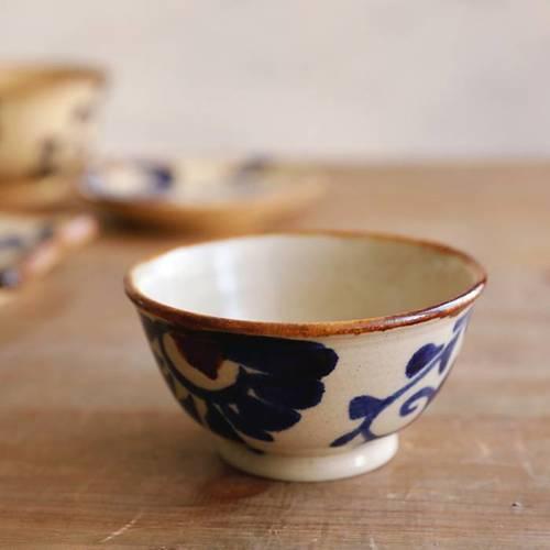 中城窯 やちむん 茶碗 2枚目