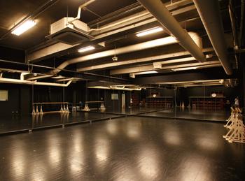 東京都内のヒップホップダンススクールおすすめ人気ランキング10選【初心者~プロ養成クラスまで】のアイキャッチ画像1枚目