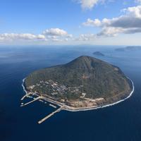旅行におすすめの離島人気ランキング20選【アウトドア・廃墟好きにも!】