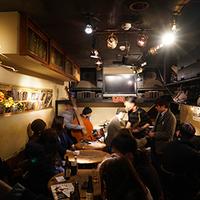 東京都内でおすすめのジャズバー人気ランキング10選【生演奏も!】