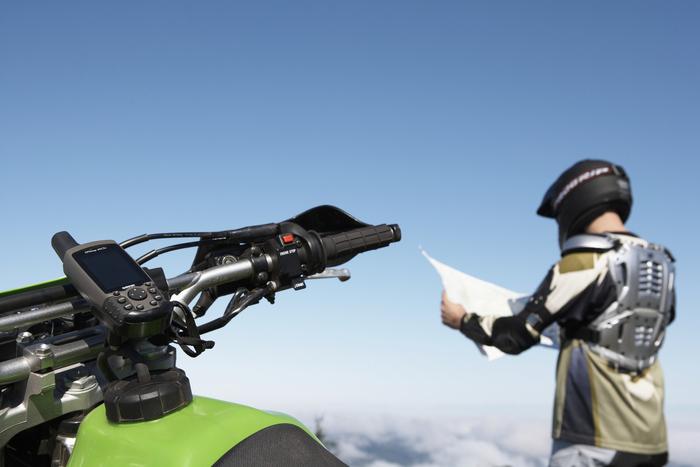 利用 GPS 定位掌握時速及目前所在位置