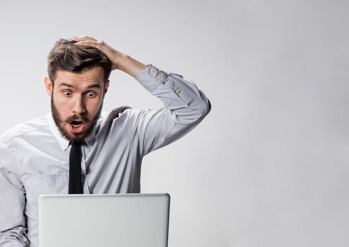 發生錯誤或故障時,記憶卡中的資料很容易消失